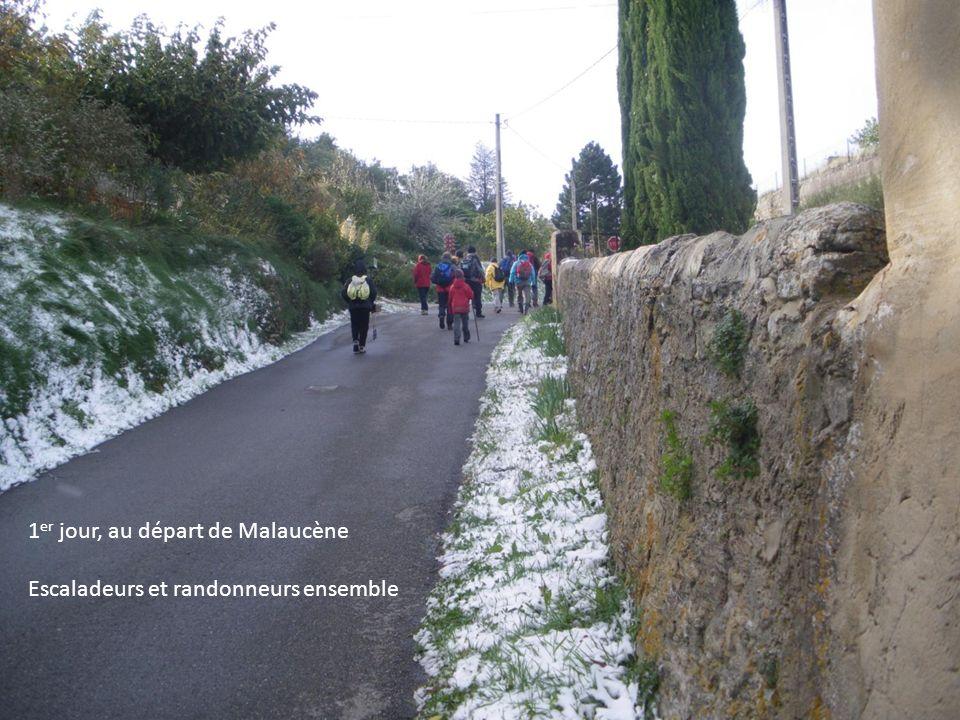 Il a légèrement neigé, le Mistral souffle en rafales 1 er jour 1 er jour, au départ de Malaucène Escaladeurs et randonneurs ensemble