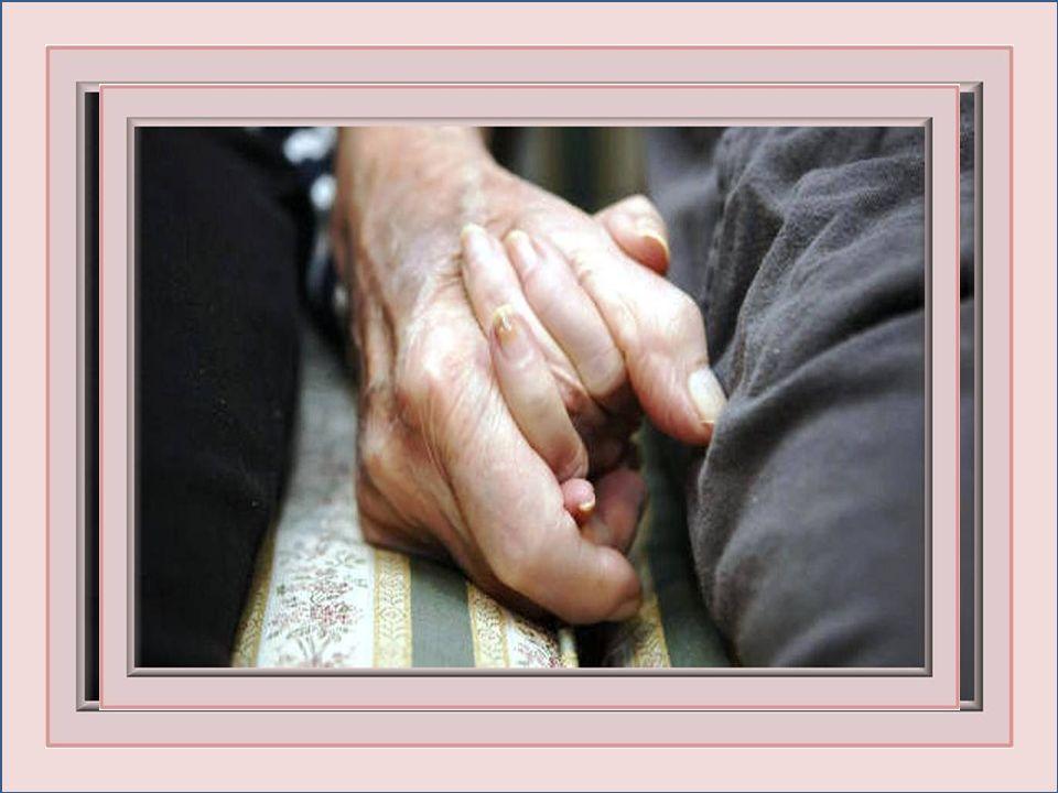 Quand nous serons vieux, l'un aidera l'autre à marcher; On se regardera et notre vie défilera dans nos yeux; Notre jardin secret sera plein de belles choses; Que de regards complices n'aurons-nous pas ...