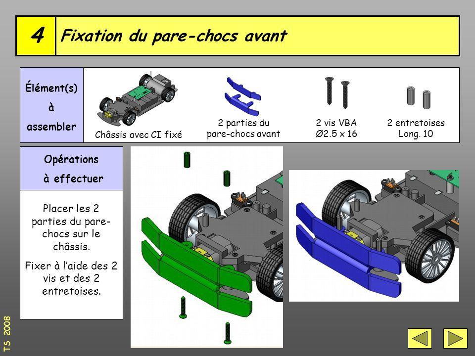 Opérations à effectuer Placer les 2 parties du pare- chocs sur le châssis.