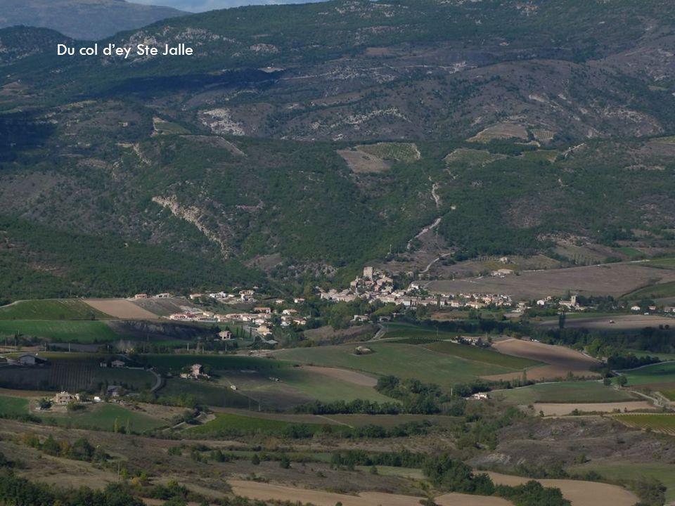 Le col de Chaudebonne ( Villeperdrix )