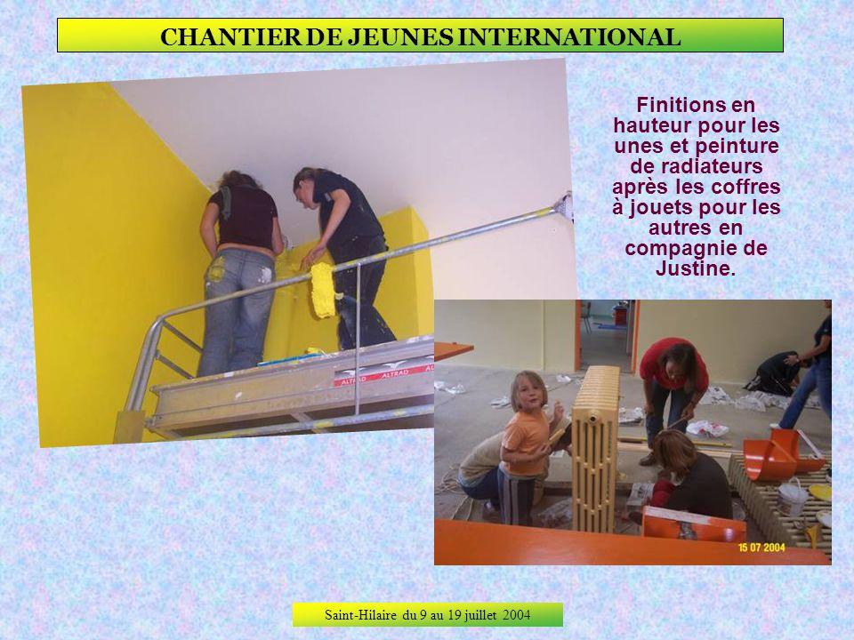 Saint-Hilaire du 9 au 19 juillet 2004 CHANTIER DE JEUNES INTERNATIONAL 4ème jour de travail, Finitions et nettoyage.