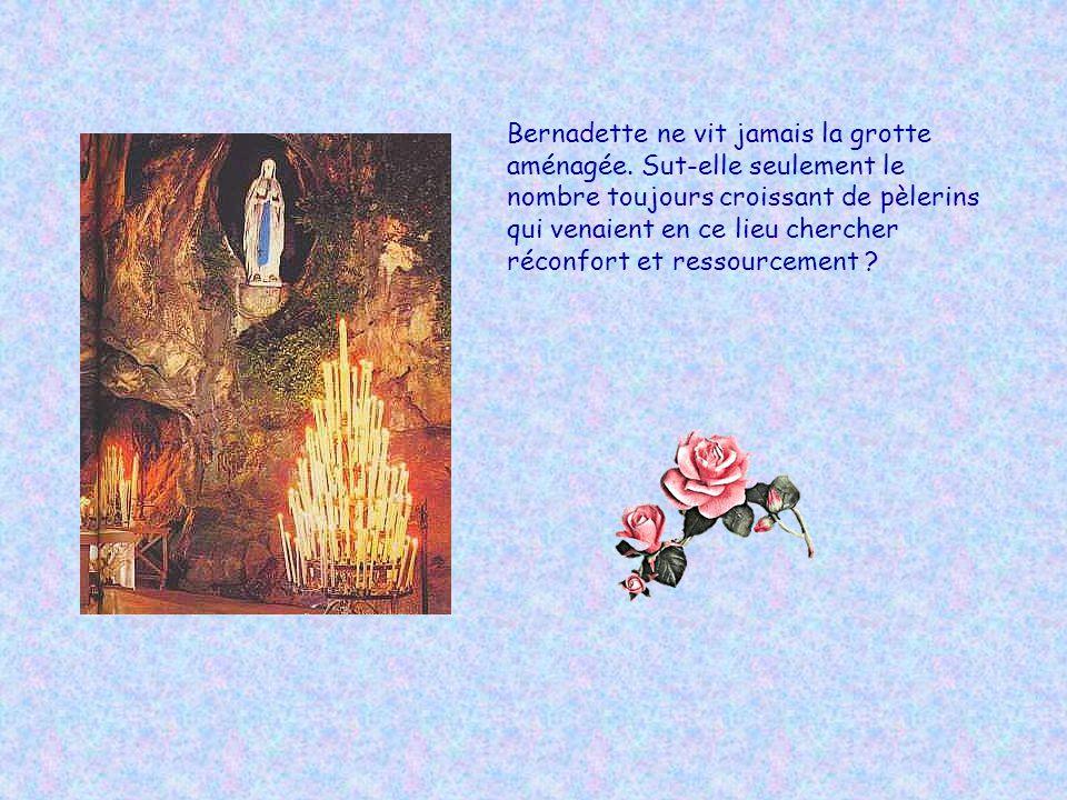 Le 8 décembre 1933, jour de la fête de l Immaculée Conception, le pape proclame Bernadette sainte. Tout son message, elle l écrivit un jour sur un bou