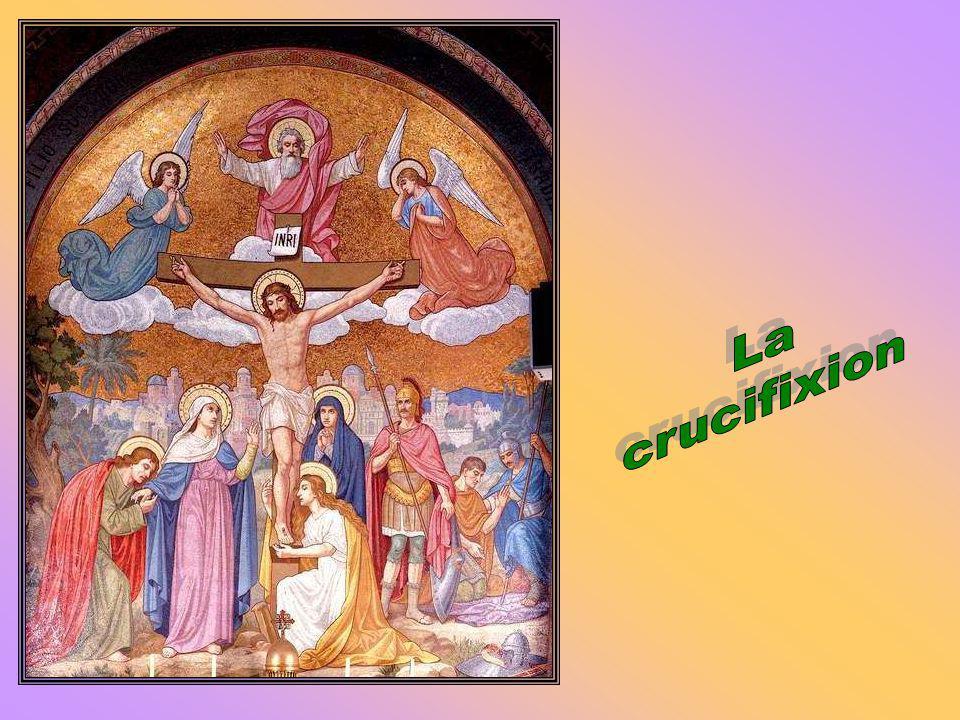 Fruit du mystère : porter sa croix avec le Christ Le Christ na pas eu besoin de se durcir pour être fort, car sa force était celle du Père. Il est tom