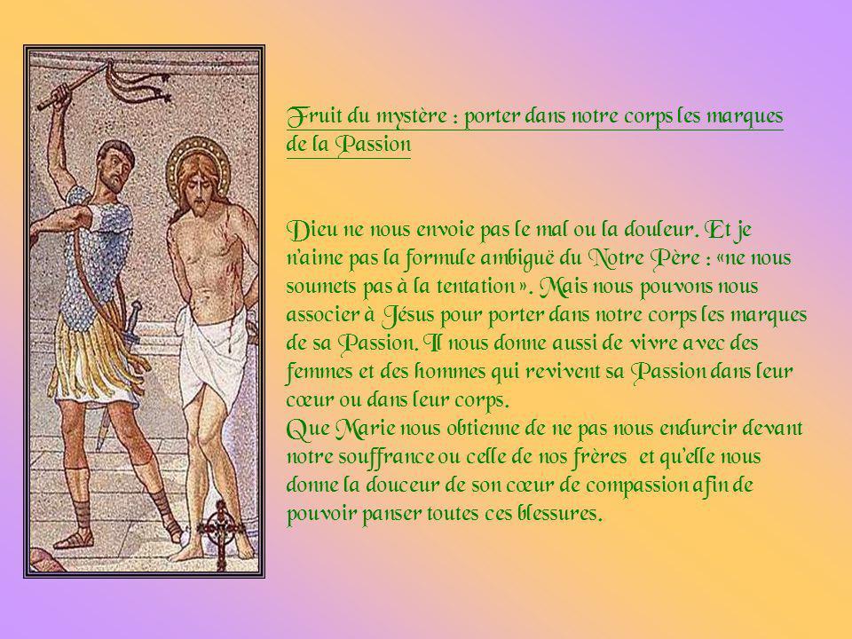 Pilate, en face de Jésus, reconnaît que celui-ci est innocent, et il le dit ouvertement aux grands prêtres et au peuple juif. Normalement, reconnaissa