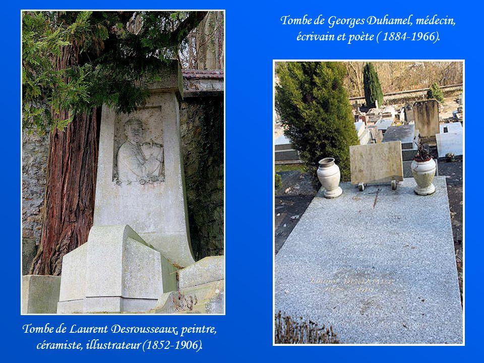 Chapelle funéraire de la famille de Provigny, classée Monument historique. Dans le cimetière de Valmondois reposent plusieurs personnalités comme des