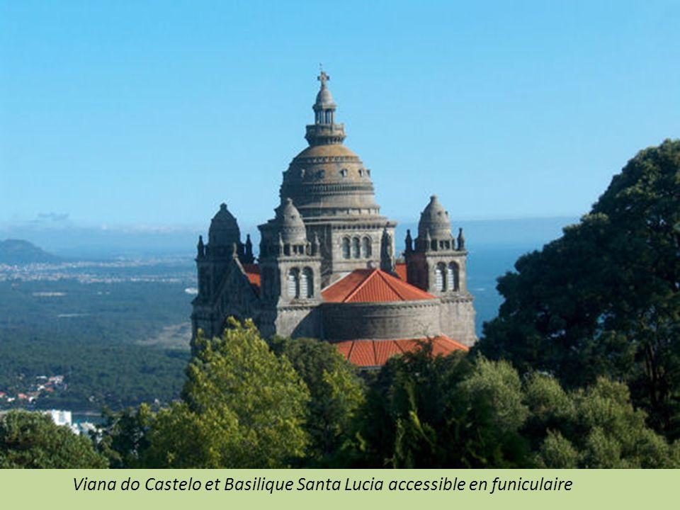 PORTO vieille ville, port, cathédrale, Palais de la Bourse et place Garett.