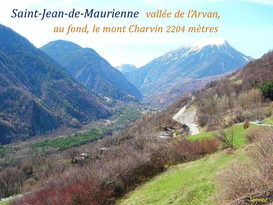 Saint-Jean-de-Maurienne. la ville