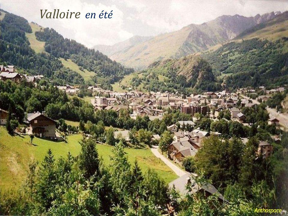 Saint-Sorlin-DArves le village En été En hiver