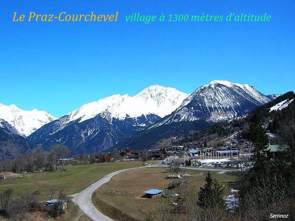 Le Praz-Courchevel village à 1300 mètres daltitude