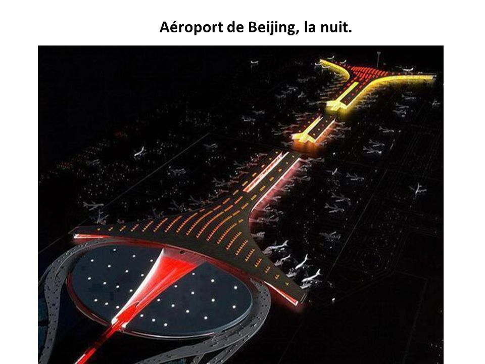 Aéroport de Beijing, la nuit.
