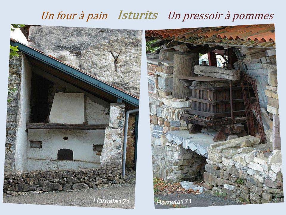 Saint-Jean-Pied-de-Port Une partie de la ville La citadelle