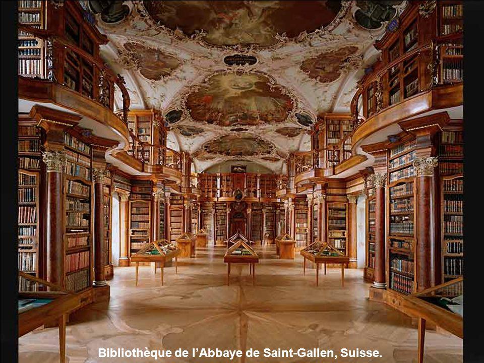 Bibliothèque de lAbbaye de Saint-Florian, Autriche.