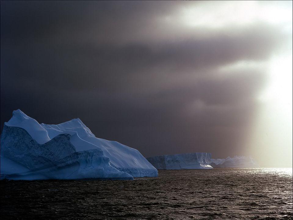 Lantarctique a les températures les plus basses de notre planète, elles atteignent moins 70° au dessous de zéro, et les vents atteignent 300km heure.