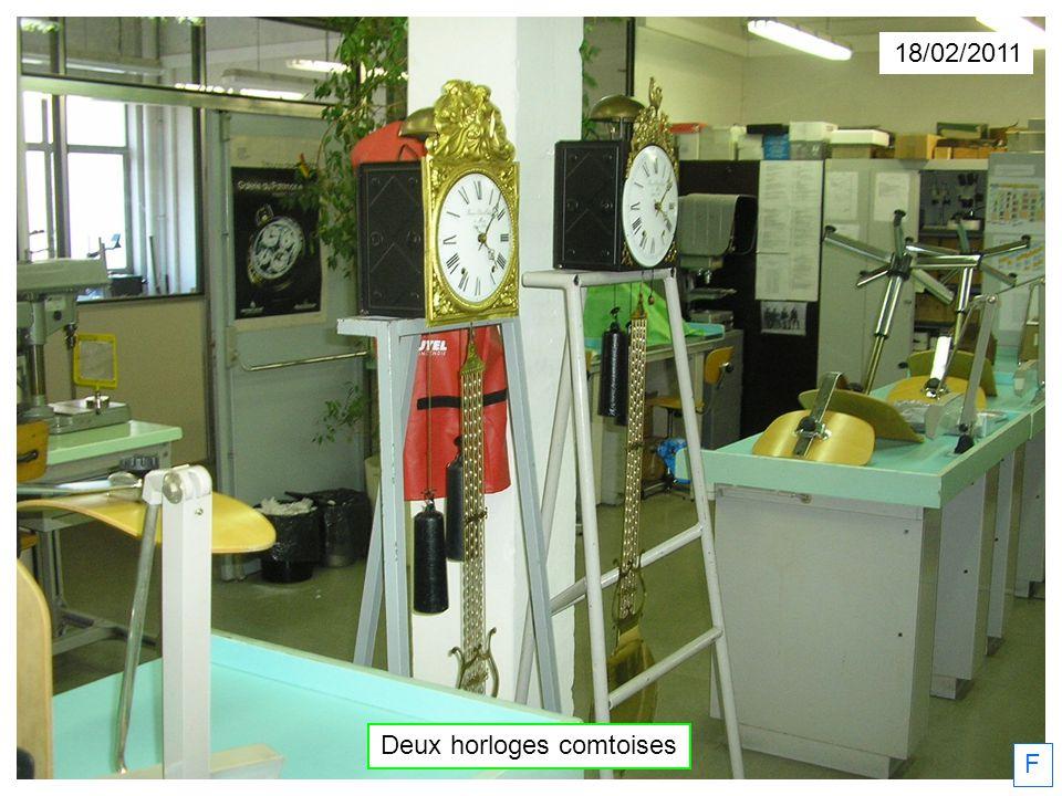 18/02/2011 Deux horloges comtoises F