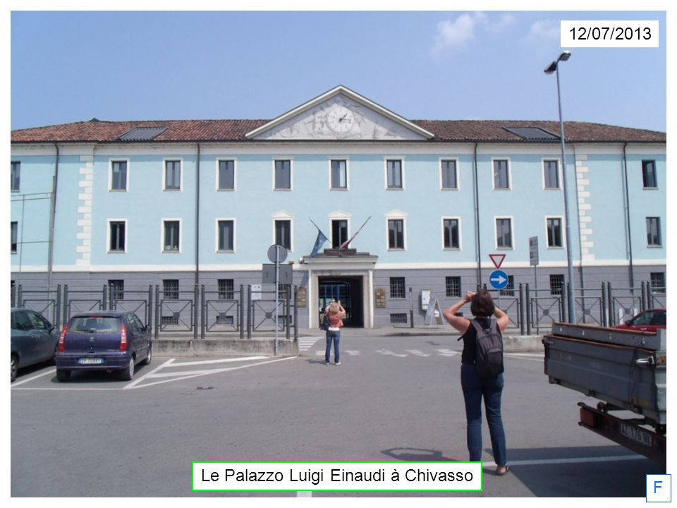 12/07/2013 F Le Palazzo Luigi Einaudi à Chivasso
