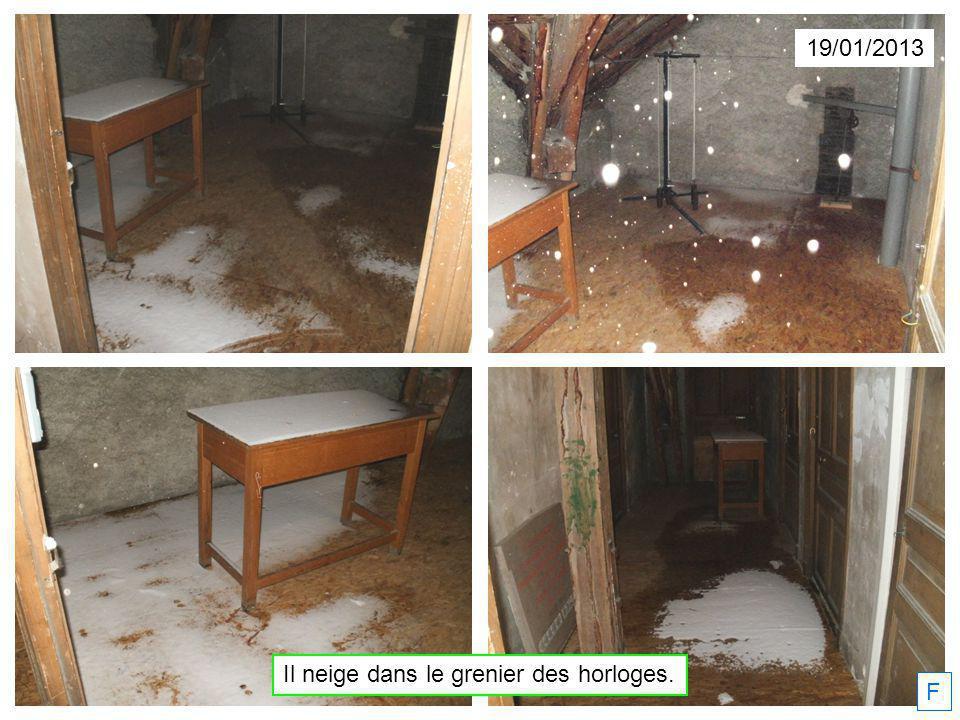 19/01/2013 F Il neige dans le grenier des horloges.