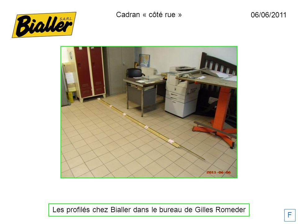 F 06/06/2011 Les profilés chez Bialler dans le bureau de Gilles Romeder Cadran « côté rue »
