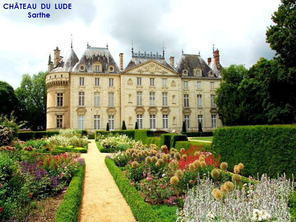 CHÂTEAU DE SULLY SUR LOIRE Loiret