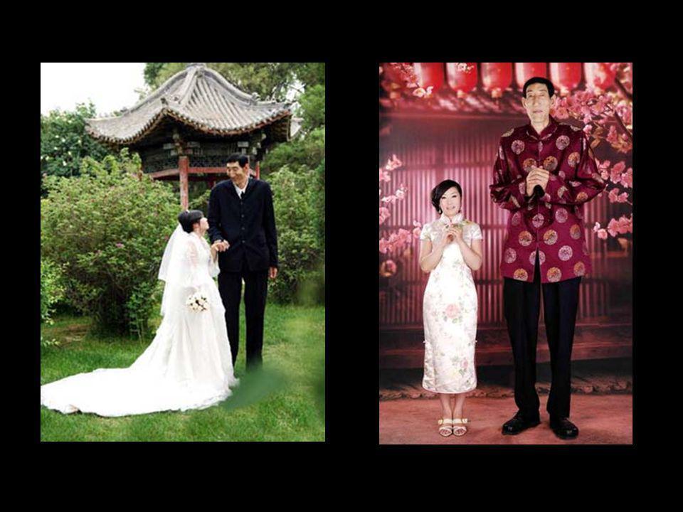 B a o X i s h u n Ce mongol de 58 ans mesure 2,36 mètres (ses pieds mesurent 33 centimètres). Il a épousé en 2005 Xia Shujuan, 28 ans, taille 1,68 mèt