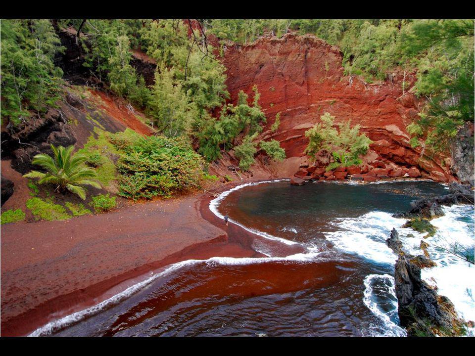 Plage rouge, Kaihalulu, Hawaii.