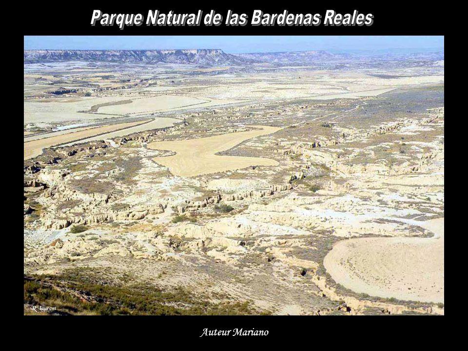 Le VTT est un moyen sportif pour découvrir les superbes paysages des Bardenas Reales...