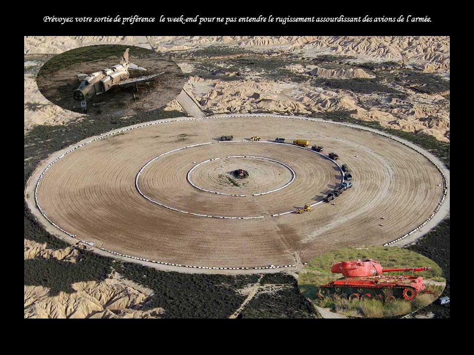 LArmée de l'Air occupe sur 2.222 hectares un champ de tir et de bombardement au coeur même de la Bardena Blanca...