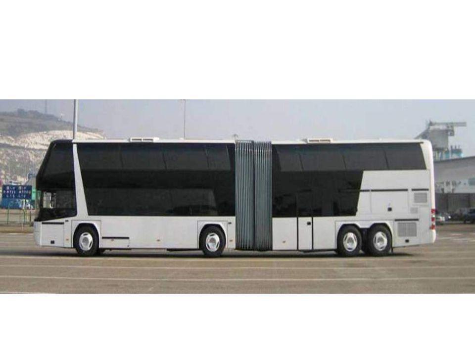 Le plus grand autobus Neoplan Jumbo Cruiser. 2 étages, capacité 170 passagers.