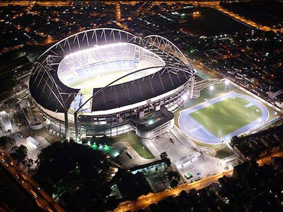 Le plus grand stade Estadio de Maracaná, Río de Janeiro, Brasil. Capacité 199.000 personnes.