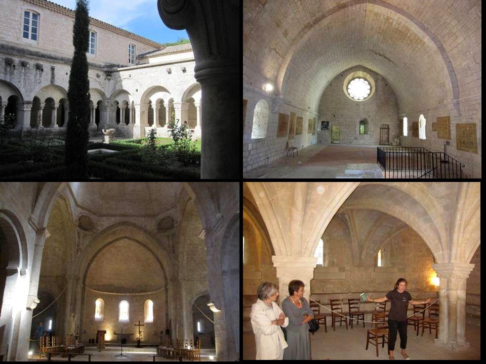 Laprès-midi, un tour rapide dans la Cathédrale Sainte-Anne dApt de style baroque … puis dans les ruelles de la vieille ville