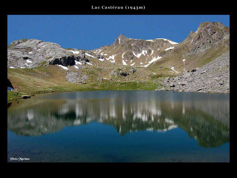 . Les plus beaux lacs de la vallée dOssau..
