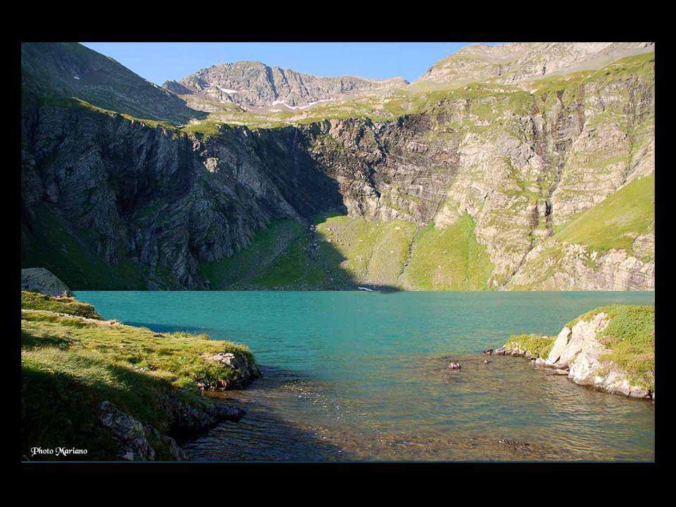 . Panorama au sommet du Grand Gabizos (2692m)....