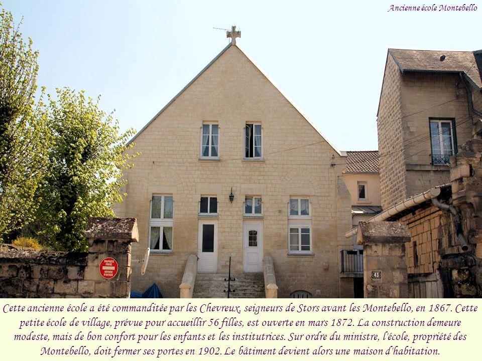 Des habitants du village participent, en 1804, à l'arrestation de complices de Cadoudal, général royaliste des Chouans, ce qui leur vaut une lettre de