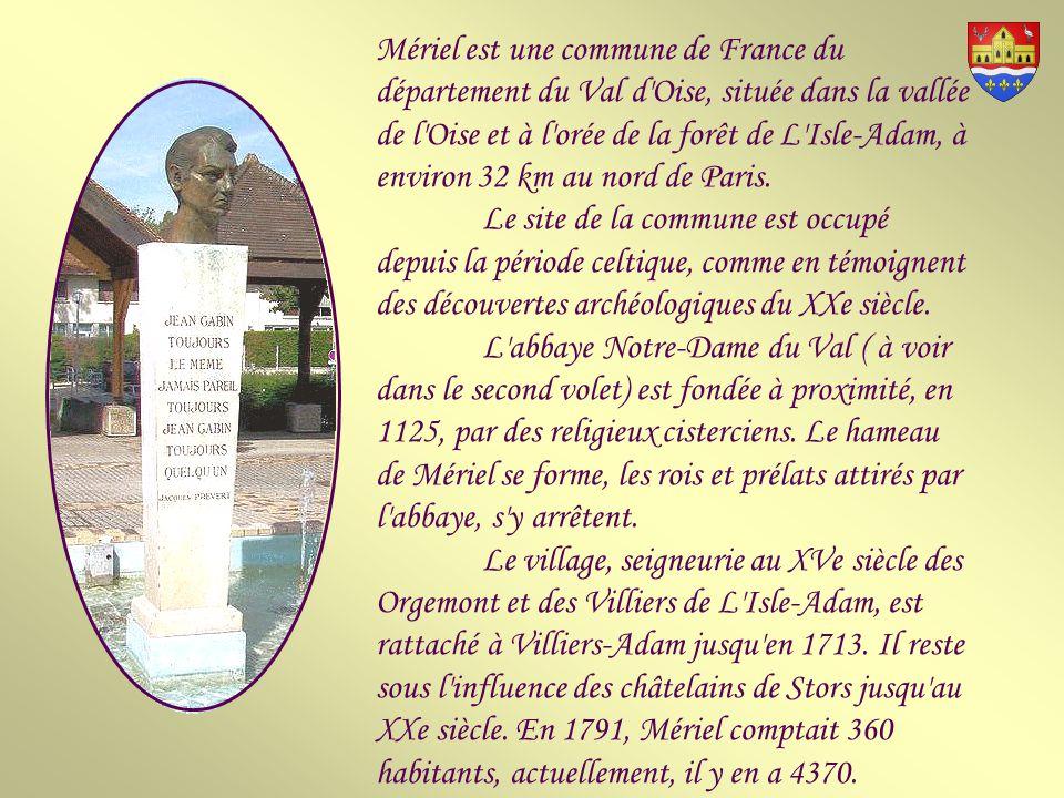 Des habitants du village participent, en 1804, à l arrestation de complices de Cadoudal, général royaliste des Chouans, ce qui leur vaut une lettre de félicitations de Bonaparte, alors Premier Consul.
