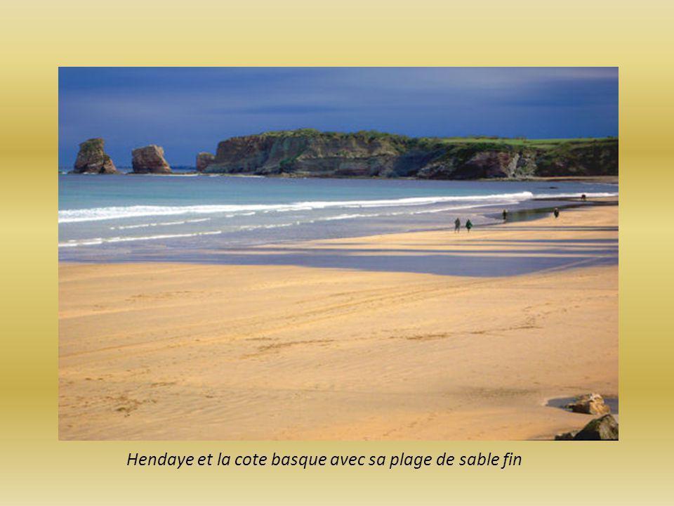 Hendaye et la cote basque avec sa plage de sable fin