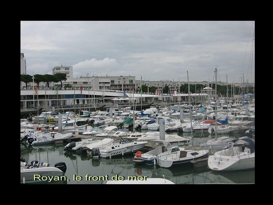 Royan 44 758 habitants, est une commune française, située dans le département de la Charente-Maritime et la région Poitou-Charentes. Elle est la princ
