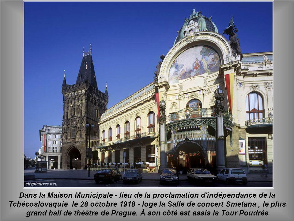 On connaît la tradition du travail du verre et du cristal dans la République tchèque depuis le 1° siècle av. J.-C, mais la production à grande échelle