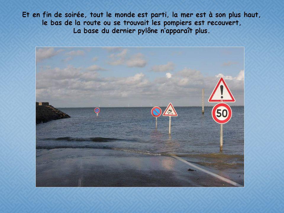 1h30 plus tard, La voiture a disparu sous les eaux, et une étendue de mer couvre le gois. Tout est redevenu calme, des voiliers ont pris le vent du la