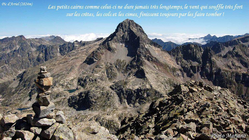 ....... La vue à 360° autour dun cairn sommital est extraordinaire, une bouffée doxygène !