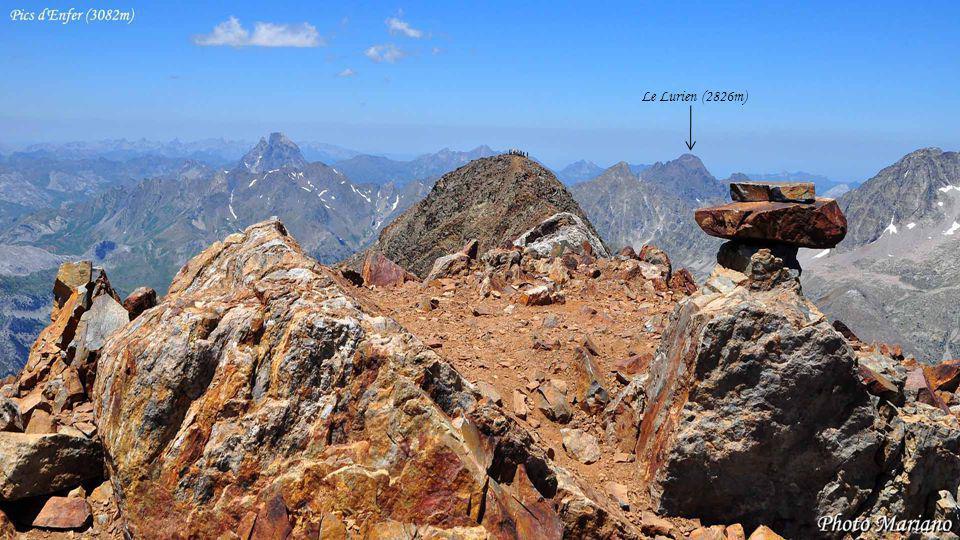 ....... La Peña Collarada (2886m)