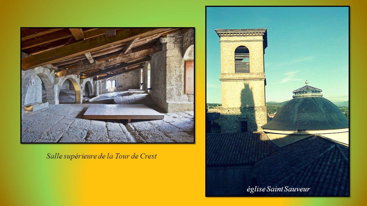 Tour Donjon de 52 mètres, le plus haut de France (11éme siècle)