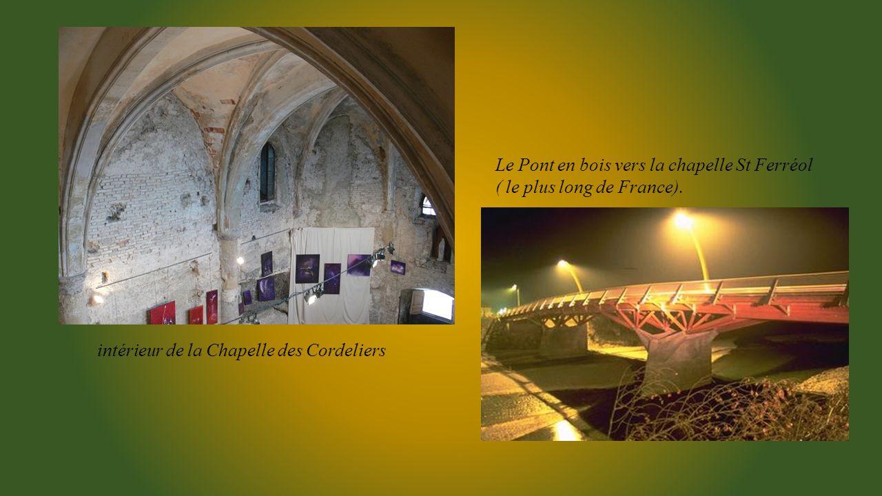Chapelle des Cordeliers accessible par un escalier de 120 marches taillées dans le calcaire