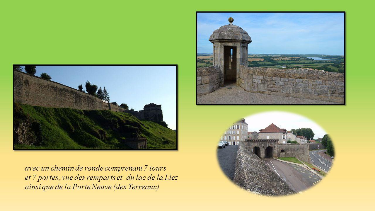 Tour de Navarre Portes des Moulins et Arc gallo-romain, rue Marceau