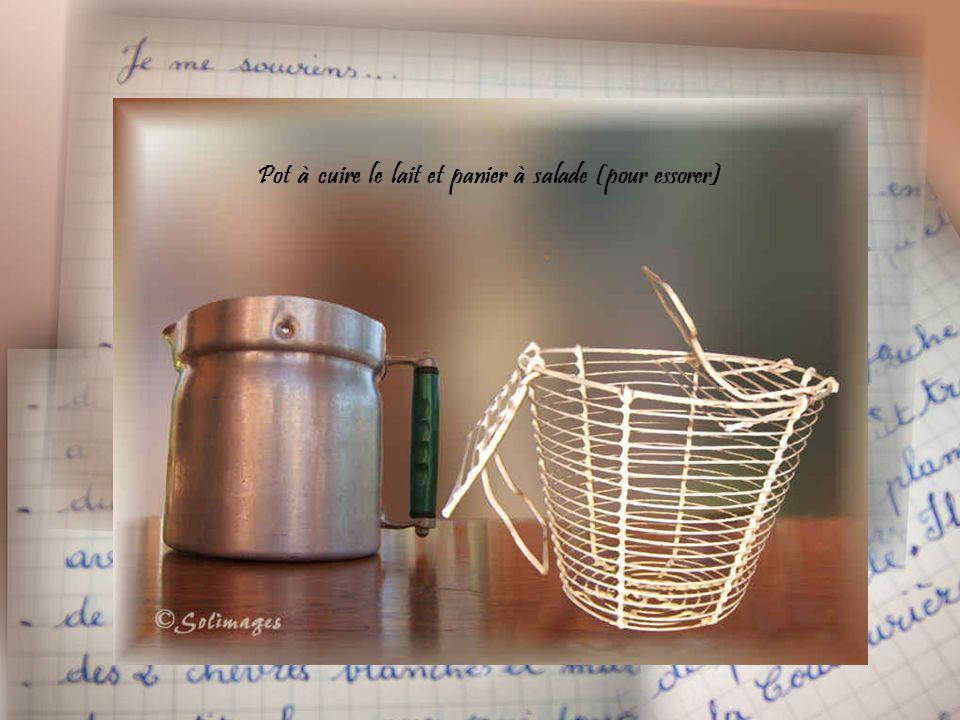 Verseuse à café en métal émaillé