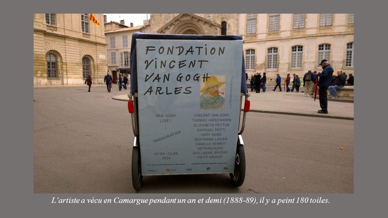 ARLES expose dans lancien comptoir de la Banque de France (hôtel particulier du 15éme siècle) les toiles de Van GOGH, en compagnie de toiles de Pissar