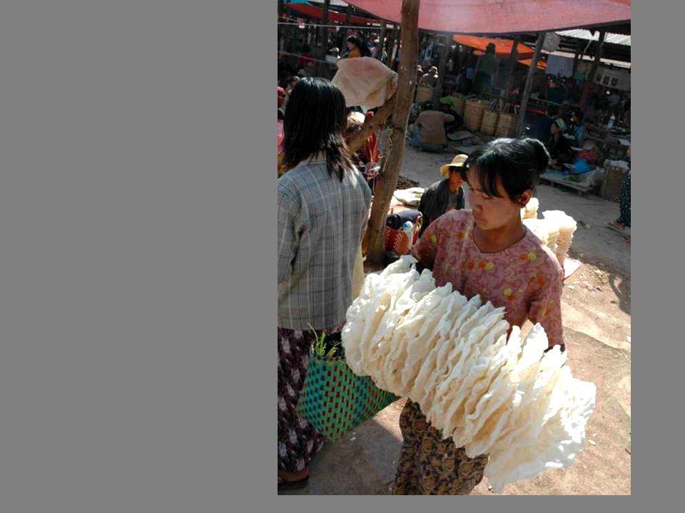 Des galettes de riz super-légères, empilées comme mille-feuilles au vent….