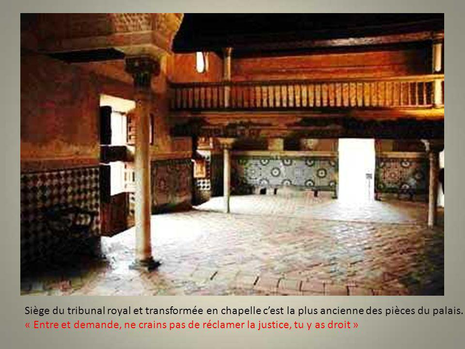 Le palais du Partal est certainement l'un des plus anciens de L'Alhambra. début du XIV° siècle. Il nen subsiste que ce corps de bâtiment très élégant,