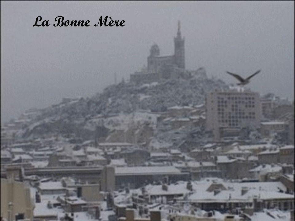 Quartier du Roucas Blanc (nom prédestiné puisquil signifie rocher blanc)
