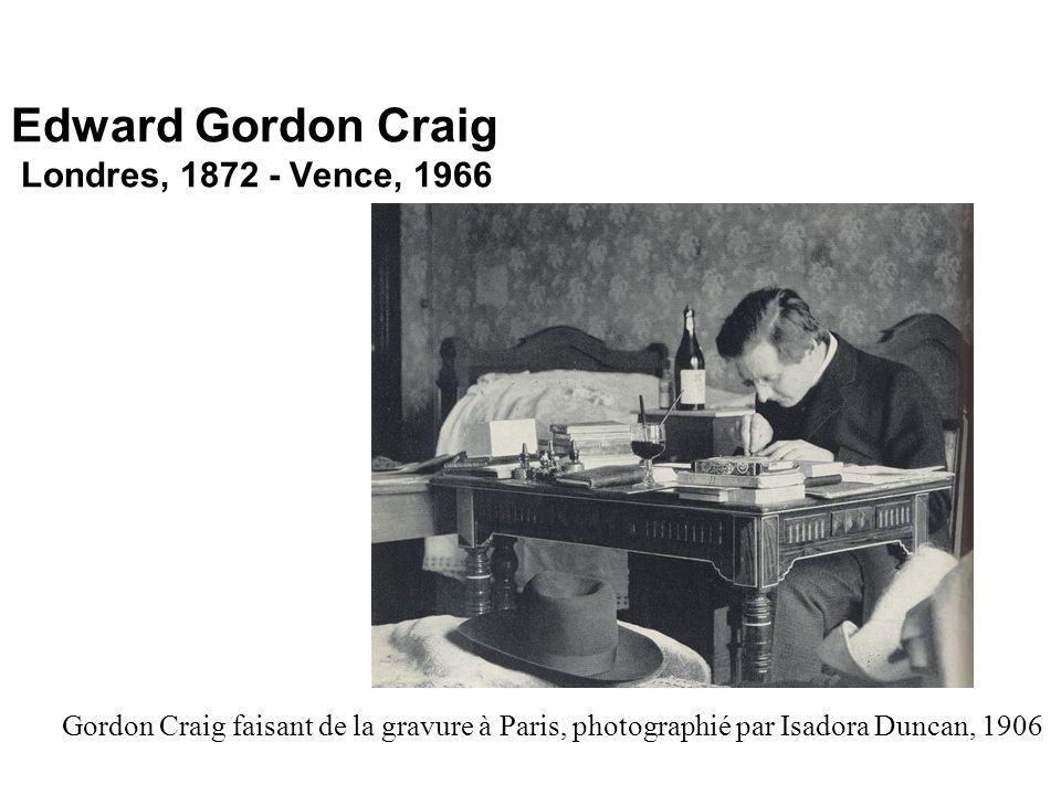Edward Gordon Craig Londres, 1872 - Vence, 1966 Gordon Craig faisant de la gravure à Paris, photographié par Isadora Duncan, 1906