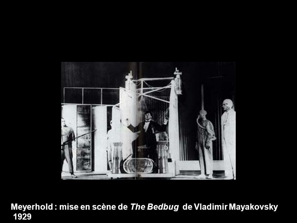 Meyerhold : mise en scène de The Bedbug de Vladimir Mayakovsky 1929
