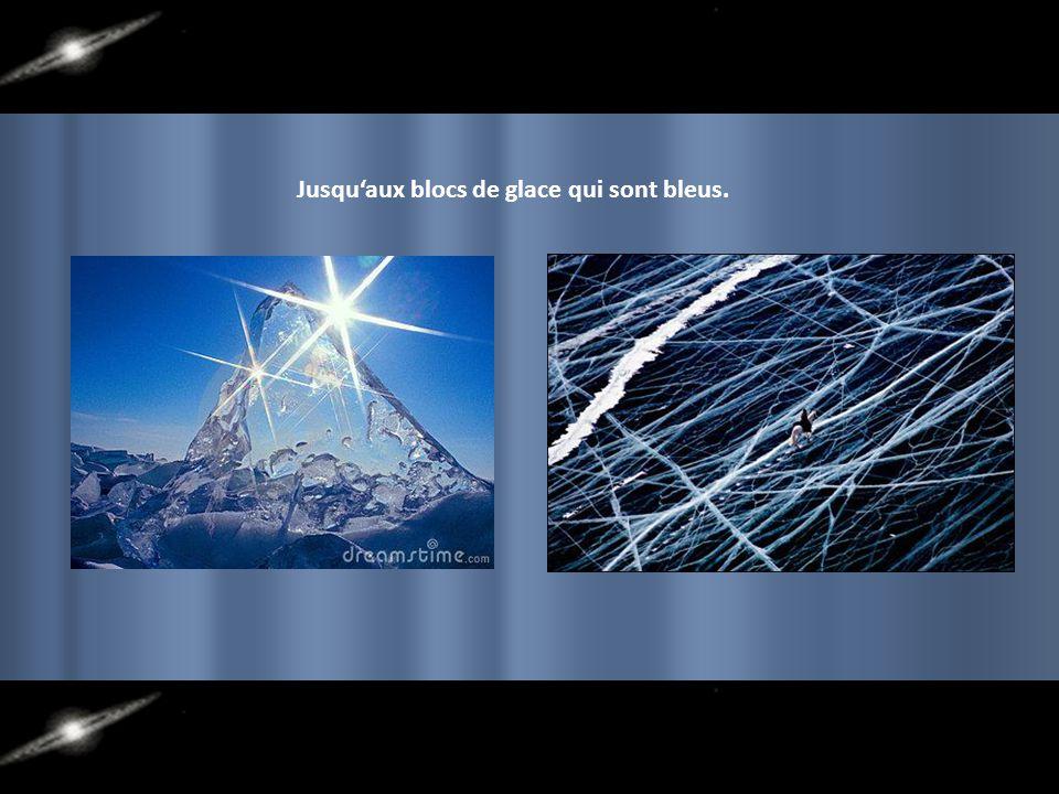 La pureté de l'eau sexprime dans les blocs de glace.